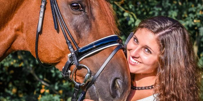 Selina & Leo. Gemütliche Stunden mit Pferd und Ausreiten.
